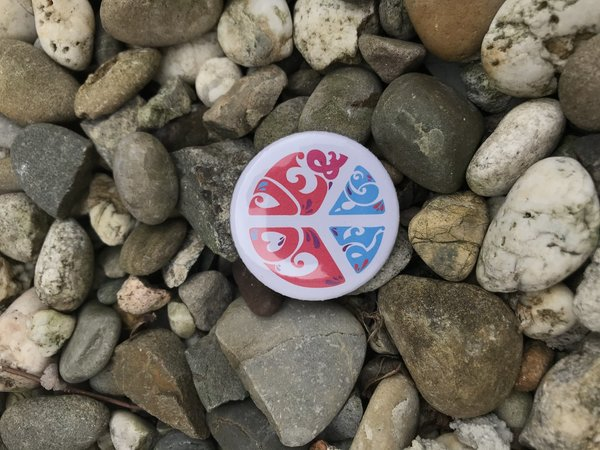 "Button ""love & peace"""