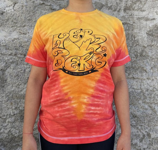 "Tie-Dye  Tshirts  ""Together by Heart"" orange/rot/gelb (V-Muster)"